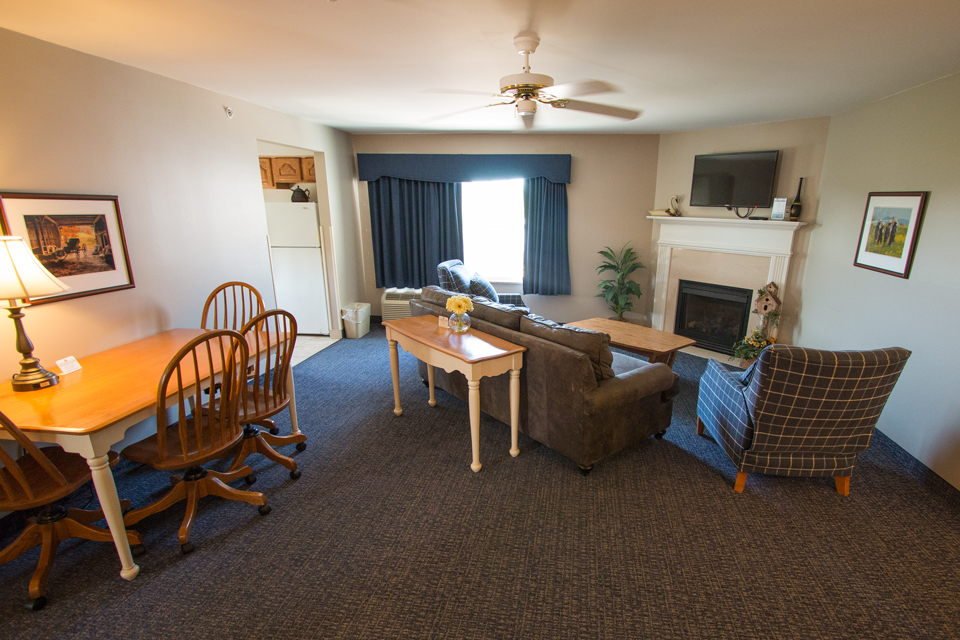 Room Descripions and Pictures Blue Gate Garden Inn Shipshewana